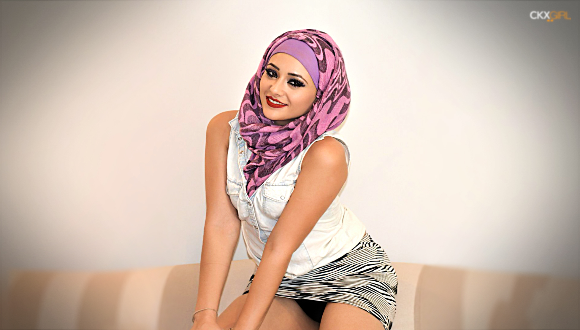 coles point muslim girl personals Local horny sexy girls looking for nice guys chat with singles and find your match after browsing member pictures from all over the world our site is the worlds free online personals and dating service.